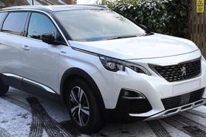 Une voiture Peugeot de luxe pour soi le temps d'une location